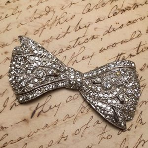 Vintage Sparkle Bow Pin